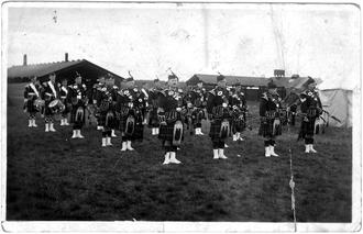 Seaforth Highlanders TA pipes & drums
