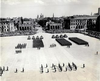 5/7th Gordons & 10th Armored, Munich, 1945