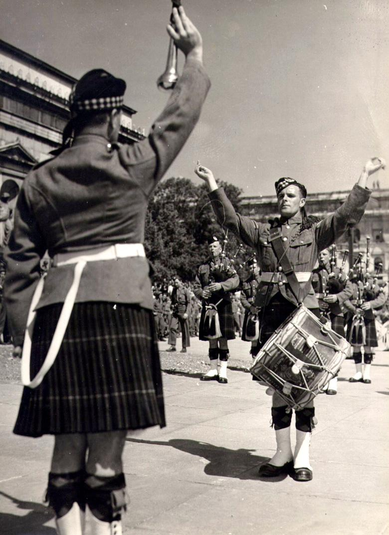 5th/7th Gordon Highlanders on parade (c. 1945/46)