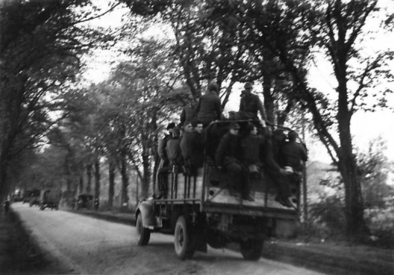 German POW in transit, 7th May '45