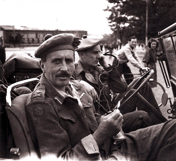 Major General Rennie GOC