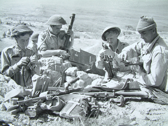 7th Argylls, Cleaning Weapons, April 1943