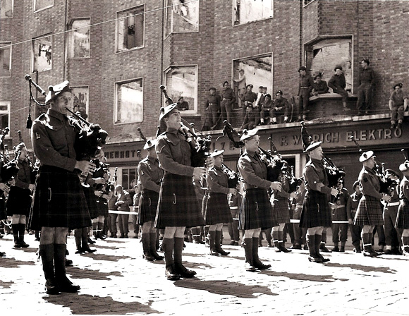 Pipe band of the 51st, May 1945